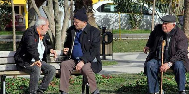 65 yaş üstü vatandaşlar için flaş açıklama!